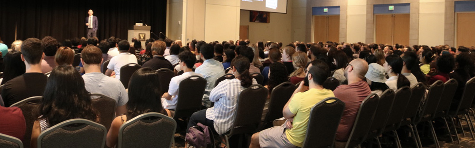 Dean Wallace addresses new graduate school students at orientation